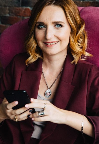 Блогер Лариса Суркова